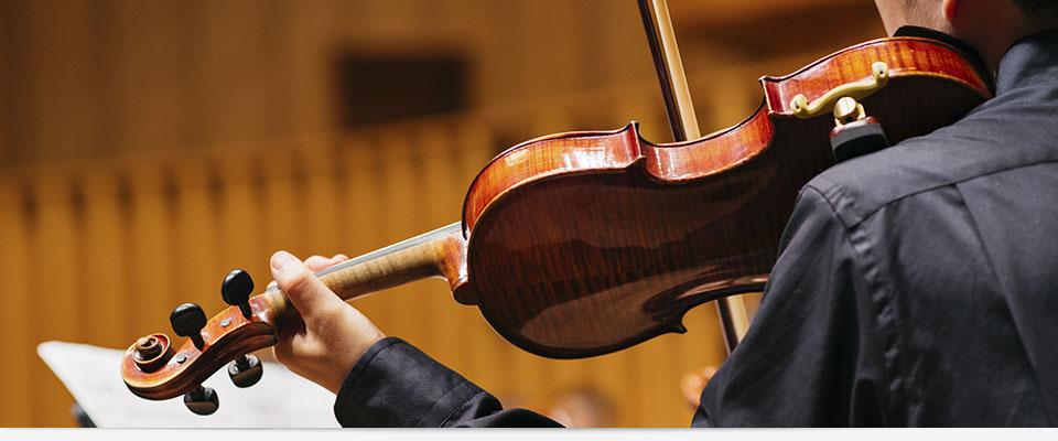 日本奏楽コンクールは、ピアノ、ピアノ協奏曲、声楽、弦楽器、管楽器、アンサンブル、アマチュア各部門から構成され、幼児、小学低学年、小学高学年、中学、高校、大学、一般を対象に開催される音楽コンクールです。